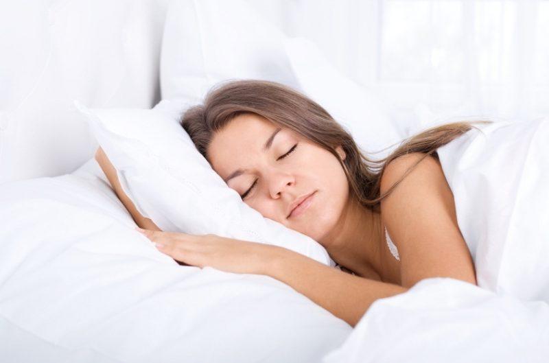Quelle forme de coussin choisir pour éviter les torticolis en dormant ?